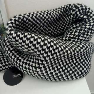NEW Checkered Infinity Scarf