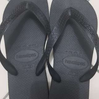 Brand new Havaianas slippers