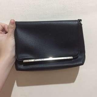 Berskha sling mini bag