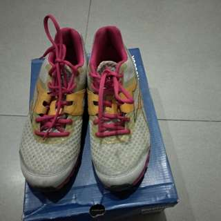 preloved reebok running shoes