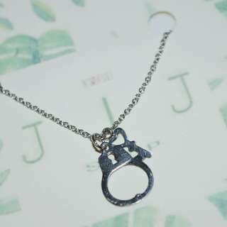 STAINLESS HANDCUFF NECKLACE
