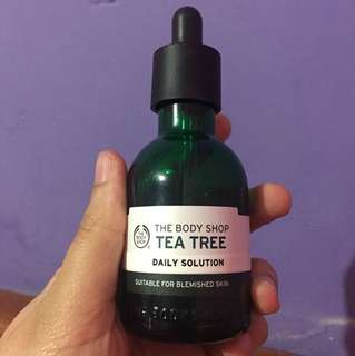 The BODY SHOP TEA TREE DAILY SOLUTION