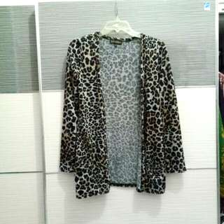 Newlook leopard outer / knit