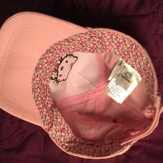 H&M HELLO KITTY CAP 🌸