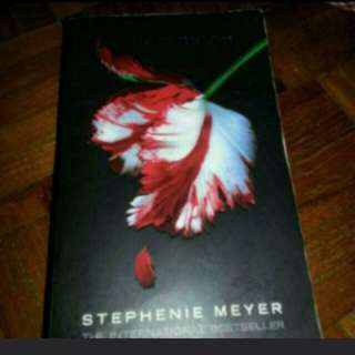New Moon by Stephanie Meyer