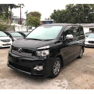 Toyota Voxy ZS煌2代 11'