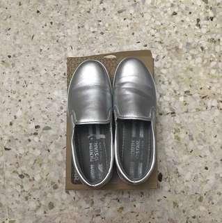 Slip ons shoe