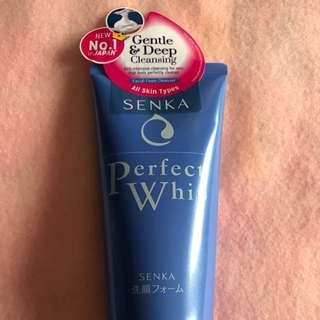 Senka Perfect Whip Cleansing Facial Foam (120g)