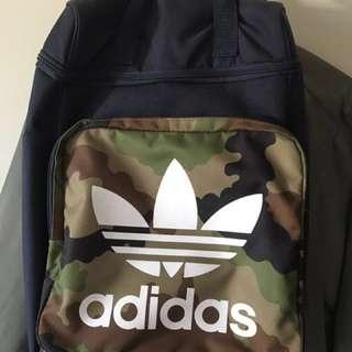 Adidas original 迷彩後背包