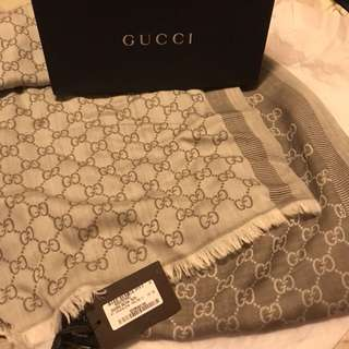 全新 Gucci scarf with tag