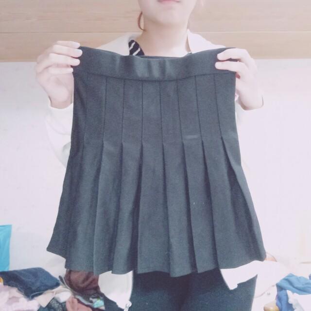 鬆緊腰黑色白褶摺內搭褲裙 #超取再七折