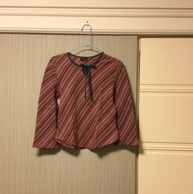 條紋綁帶上衣