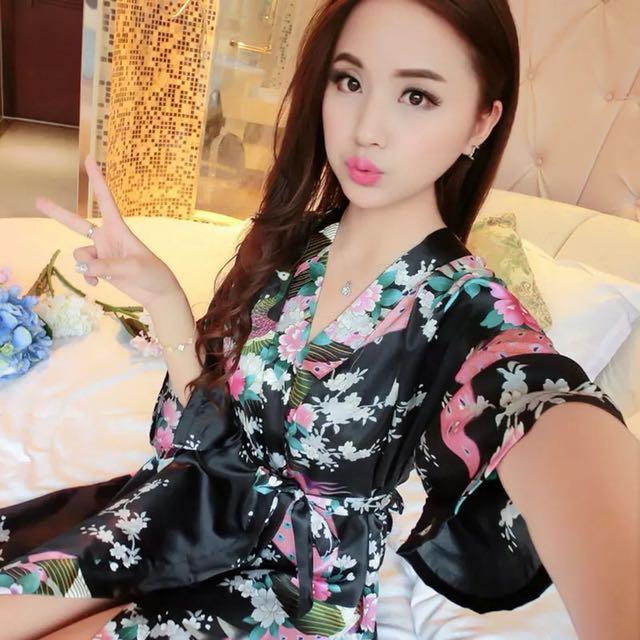 日式和服睡袍/女/夏季/冰絲/寬鬆睡衣/薄款浴衣/性感絲綢浴袍/角色扮演