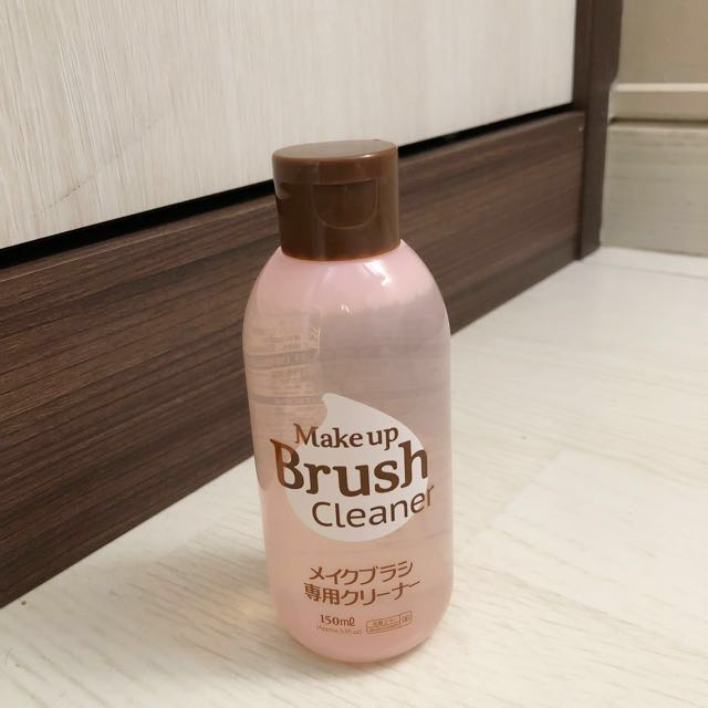 [ DAISO ] Brush & Puff Cleanser