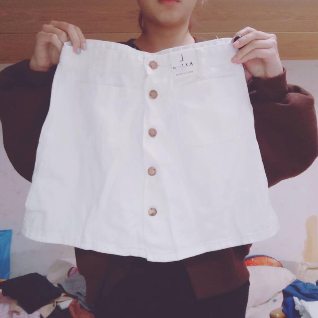 白色排扣A字短裙子 #超取七折