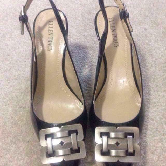 Authentic Ellen Tracy Leather Heels shoes Size 7