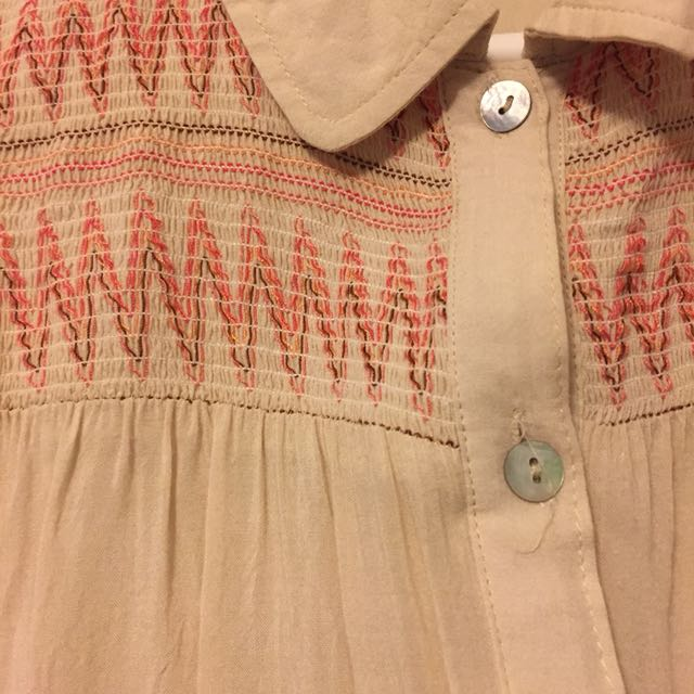 Collar shirt with Aztec pattern