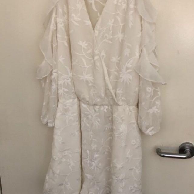 DRESSY WHITE JUMPSUIT