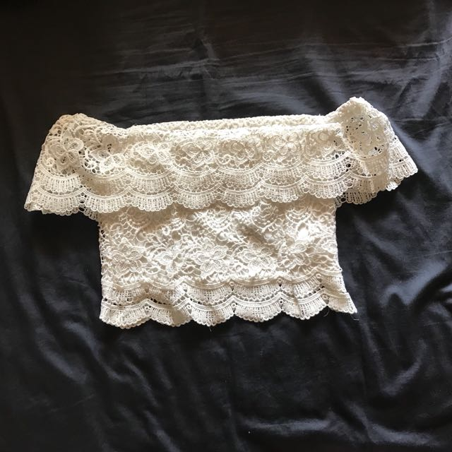 Festival off the shoulder lace crop