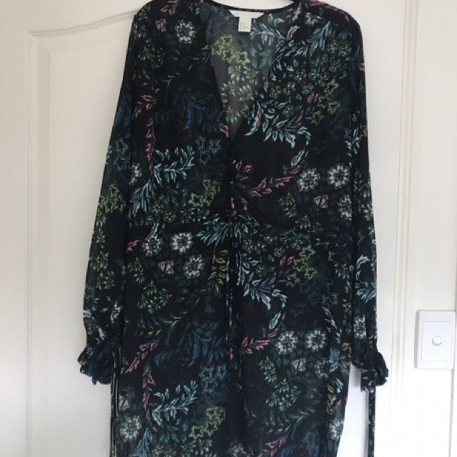 Floral beach cover up size 10-12. Worn once on holiday.
