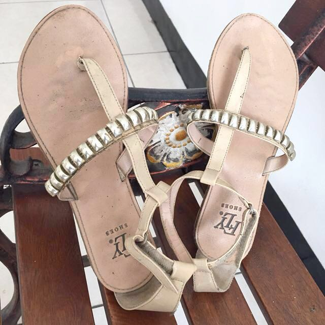 Fly Shoes Sandal Tali