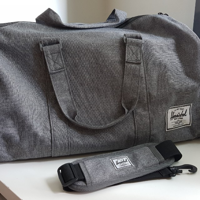 f7705801479 Herschel Supply Co. Novel Duffel Bag Raven Crosshatch 42.5L (Price ⬇ ),  Men s Fashion, Bags   Wallets on Carousell