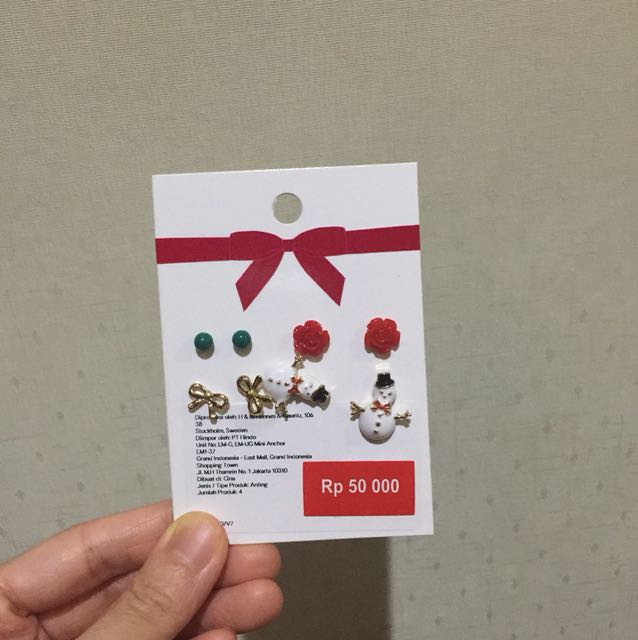 H&m holiday edition earrings