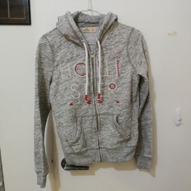 Hollister XS Grey sweater