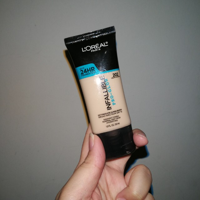 Loreal Infallible Pro Glow Foundation in 202