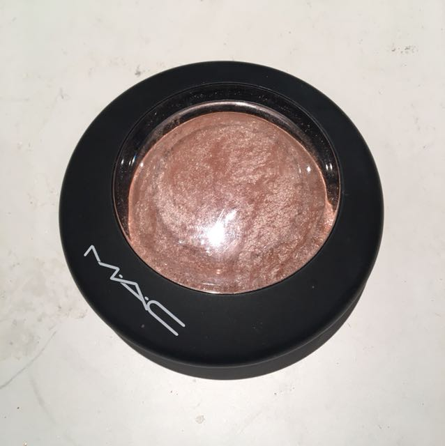 MAC MINERALIZE SKINFINISH & highlight