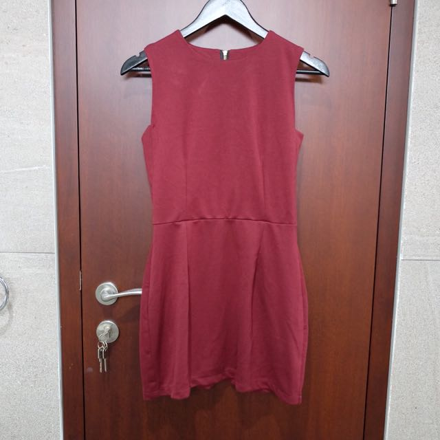 Maroon simple dress