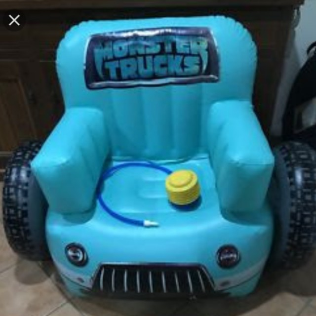 MONSTER TRUCKS INFLATABLE CHAIR + PUMP