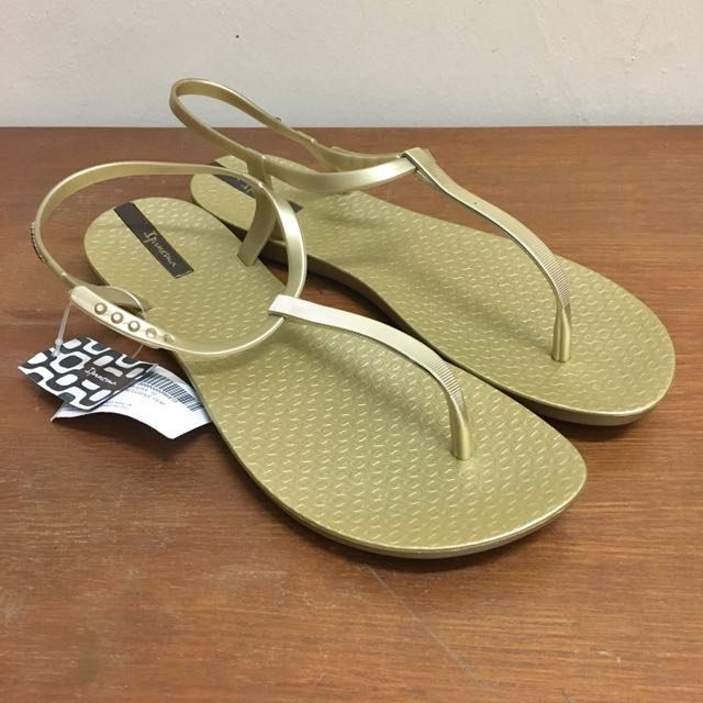 New Ipanema Class Exclusive Sandals