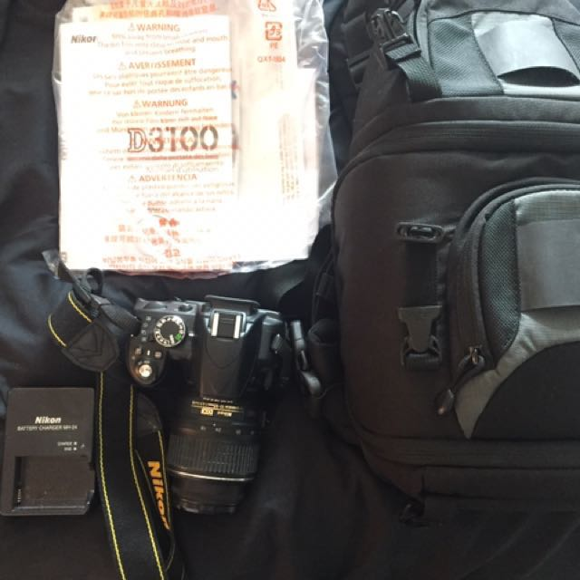 Nikon D3100 - barely used