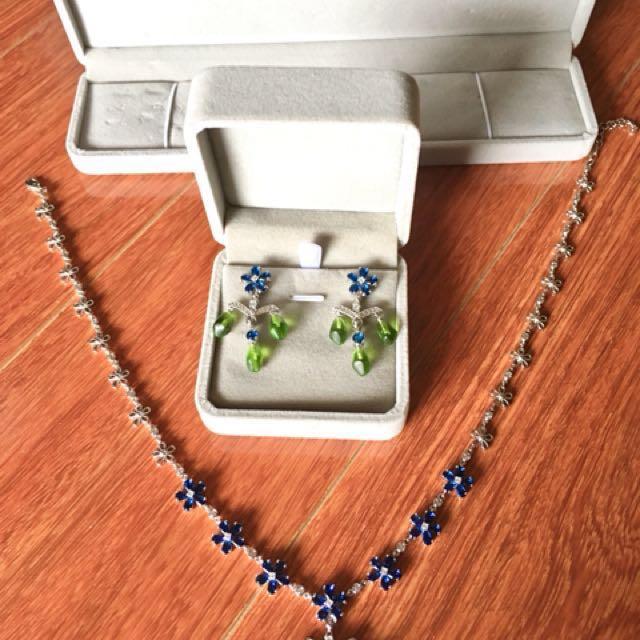 PRICE DROP! Jewellery set