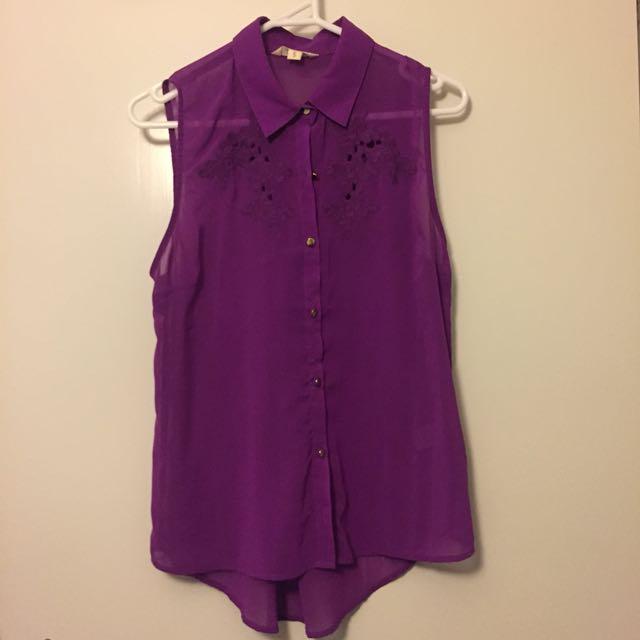 Purple collar shirt