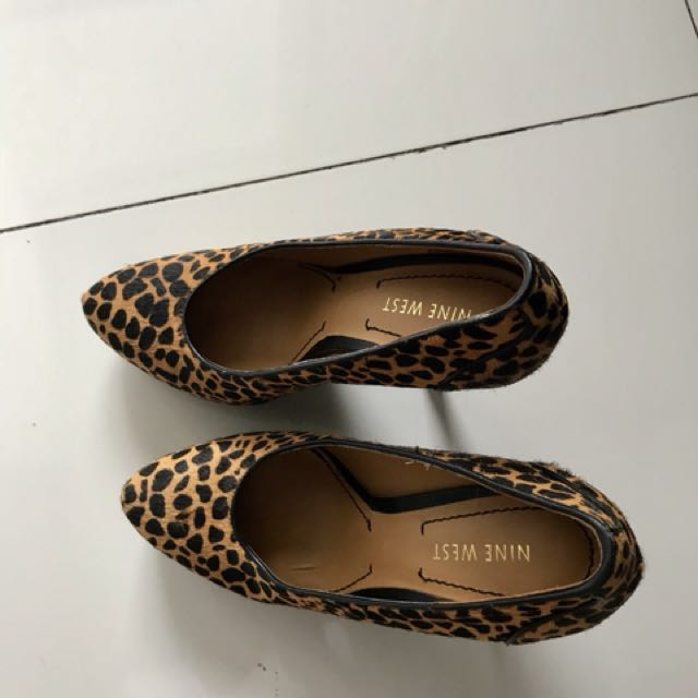 Sexy animal print shoes, comfortable. You can jump around with it😬