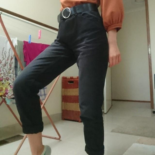 size 6 black mom jeans!