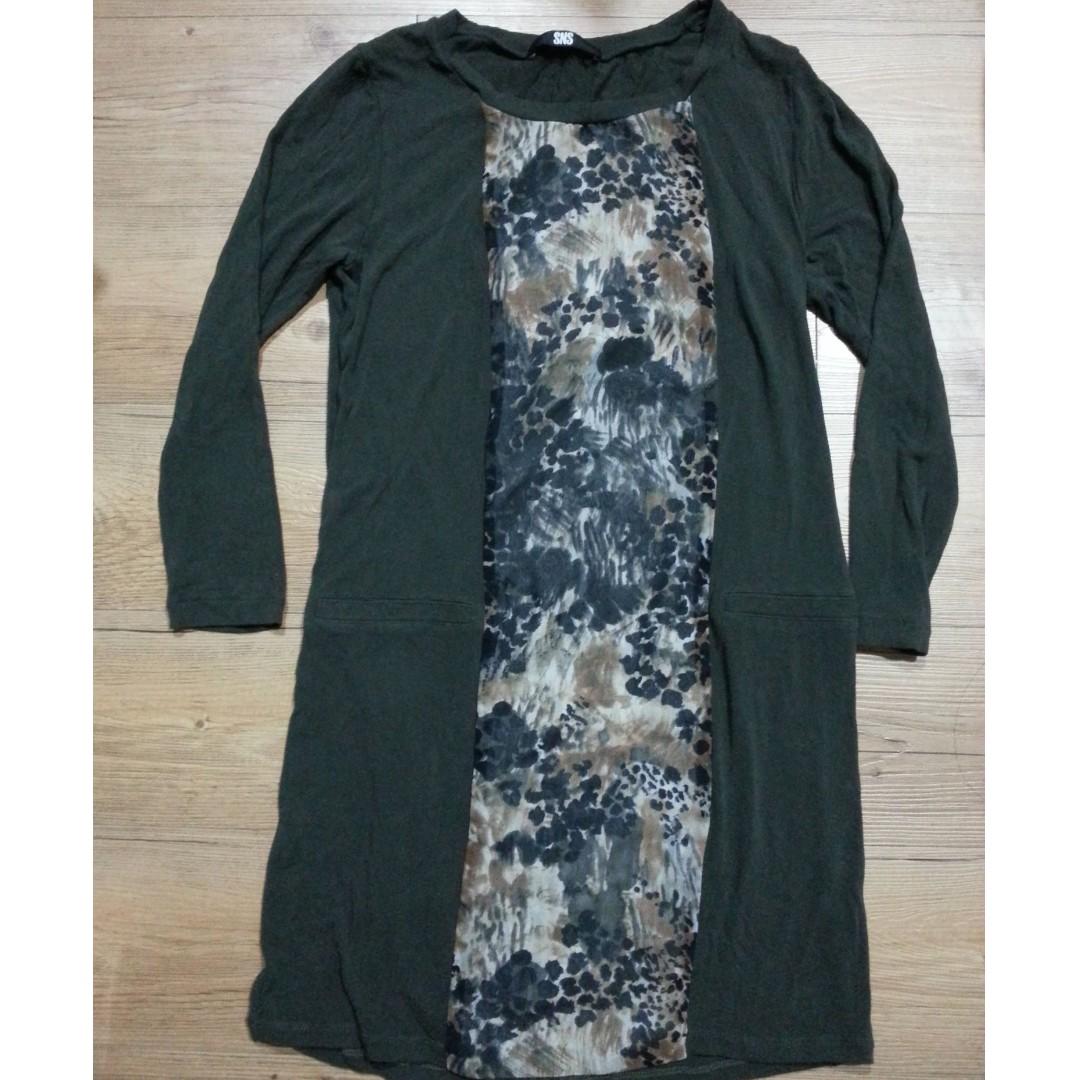 SNS獨身貴族-七分袖潑墨斑紋風格墨綠長版衣