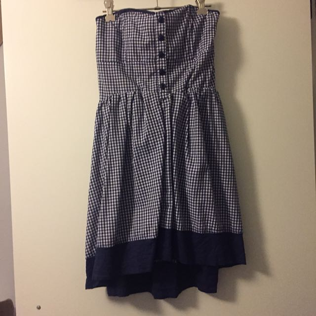 Strapless dress with gingham pattern