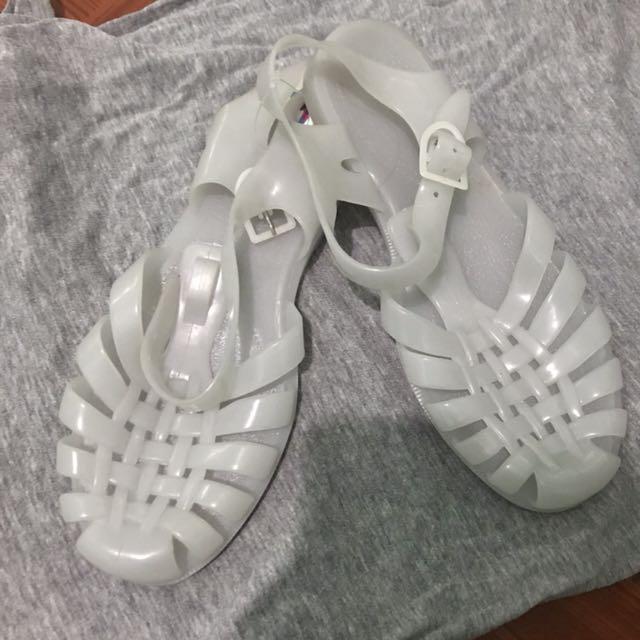 best sneakers 45c3d fad8f sun jellies sandals meduse 1518385743 d2b6ee86.jpg