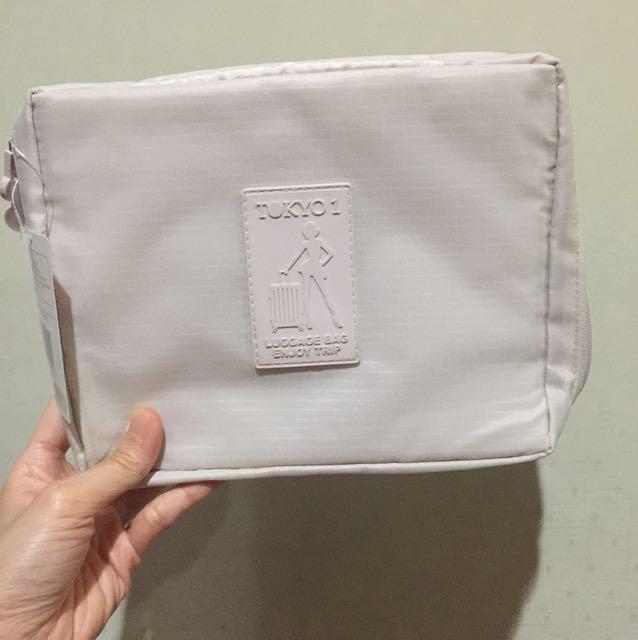 Tas untuk perlengkapan travel