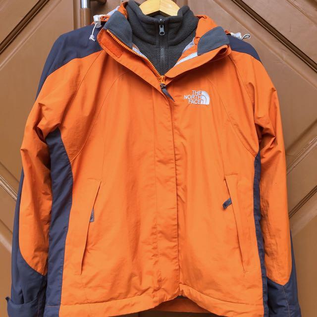 TNF The North Face Jacket Jaket Outdoor / Gunung