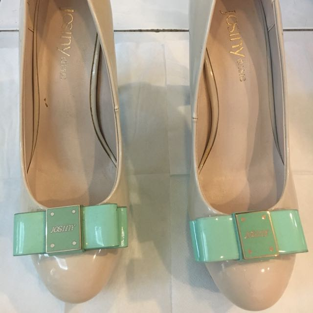 Two Tone Patent Bow Pumps