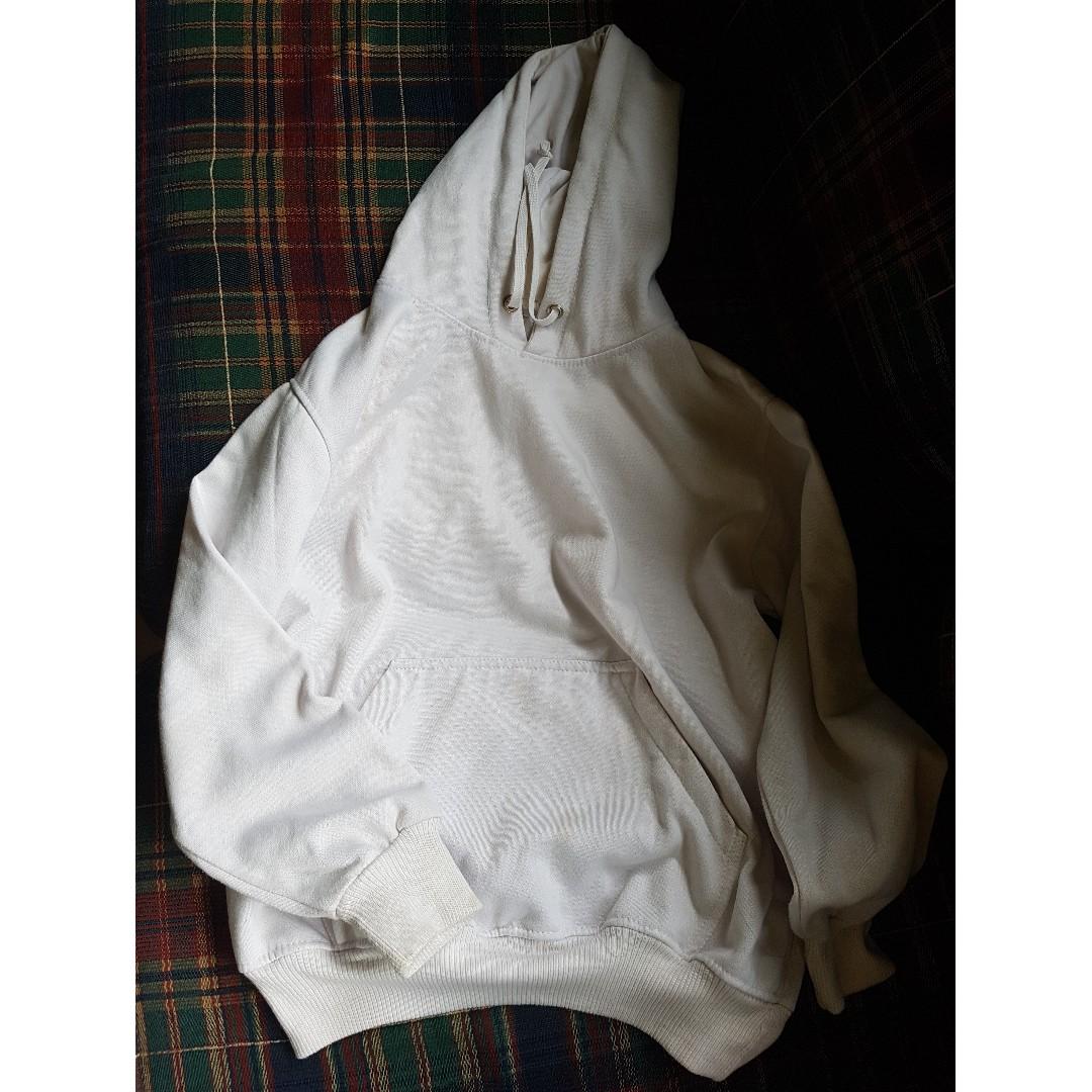 White Hoddie Swearshirt