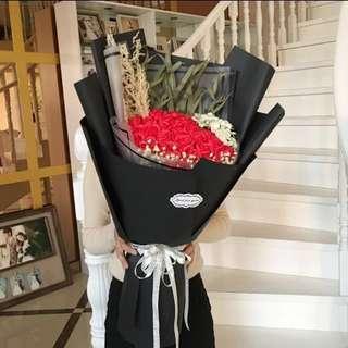 情人節 29朵玫瑰花配繍球香皂花束 超大花束永不凋謝 🍡🌷❤️最後1束, 欲購從速