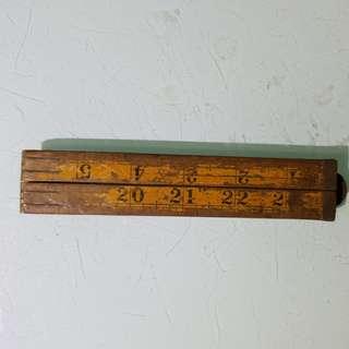 中國木尺,一面比較舊,另一面比較新,老香港懷舊物品古董珍藏