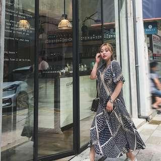 全新轉售「晶咕定制宽松小V领中长款碎花短袖连衣裙女韩版过膝长裙夏季裙子」