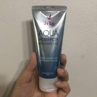 iWhite Aqua Moisturizer