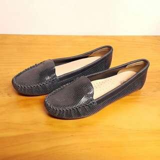英國品牌Clarks真皮牛皮經典基本款樂福鞋豆豆鞋休閒鞋